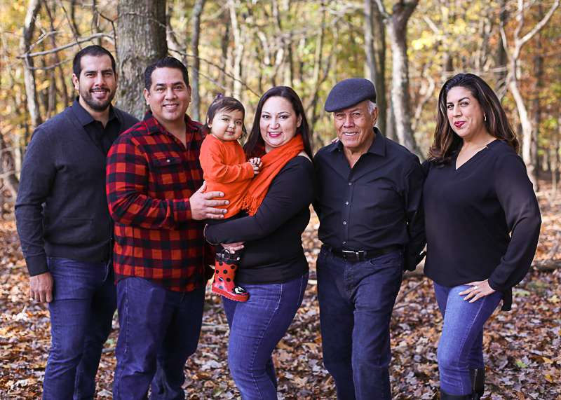 rosalina-vargas-extended-family-pic